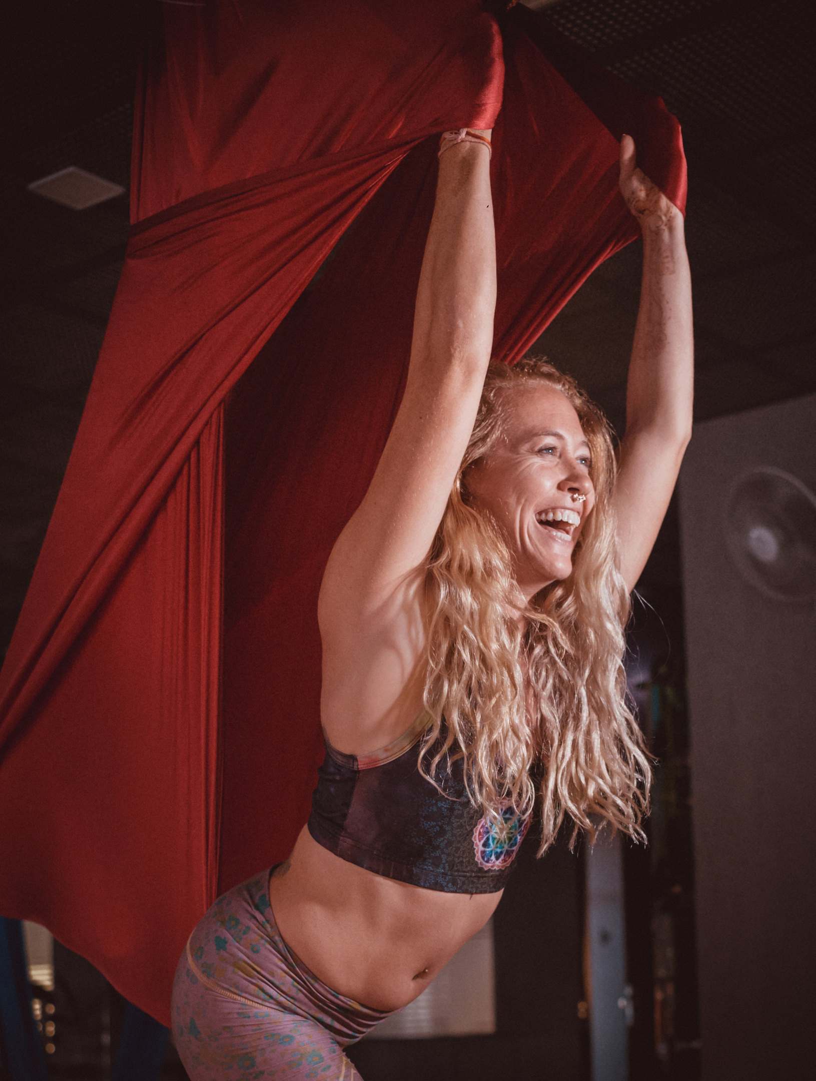 rising wings aerial yoga online course