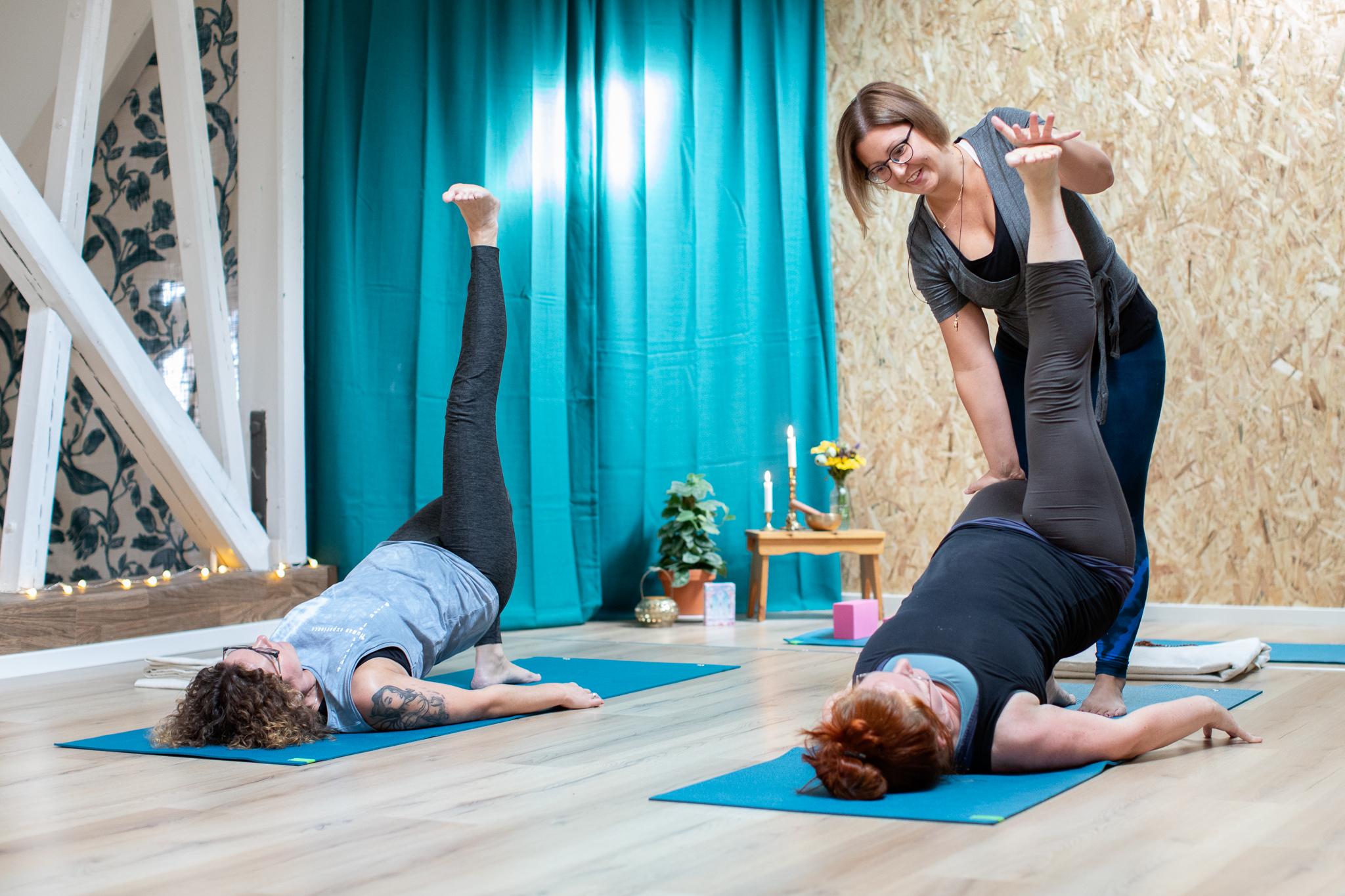 Stoppa ryggont med yoga online