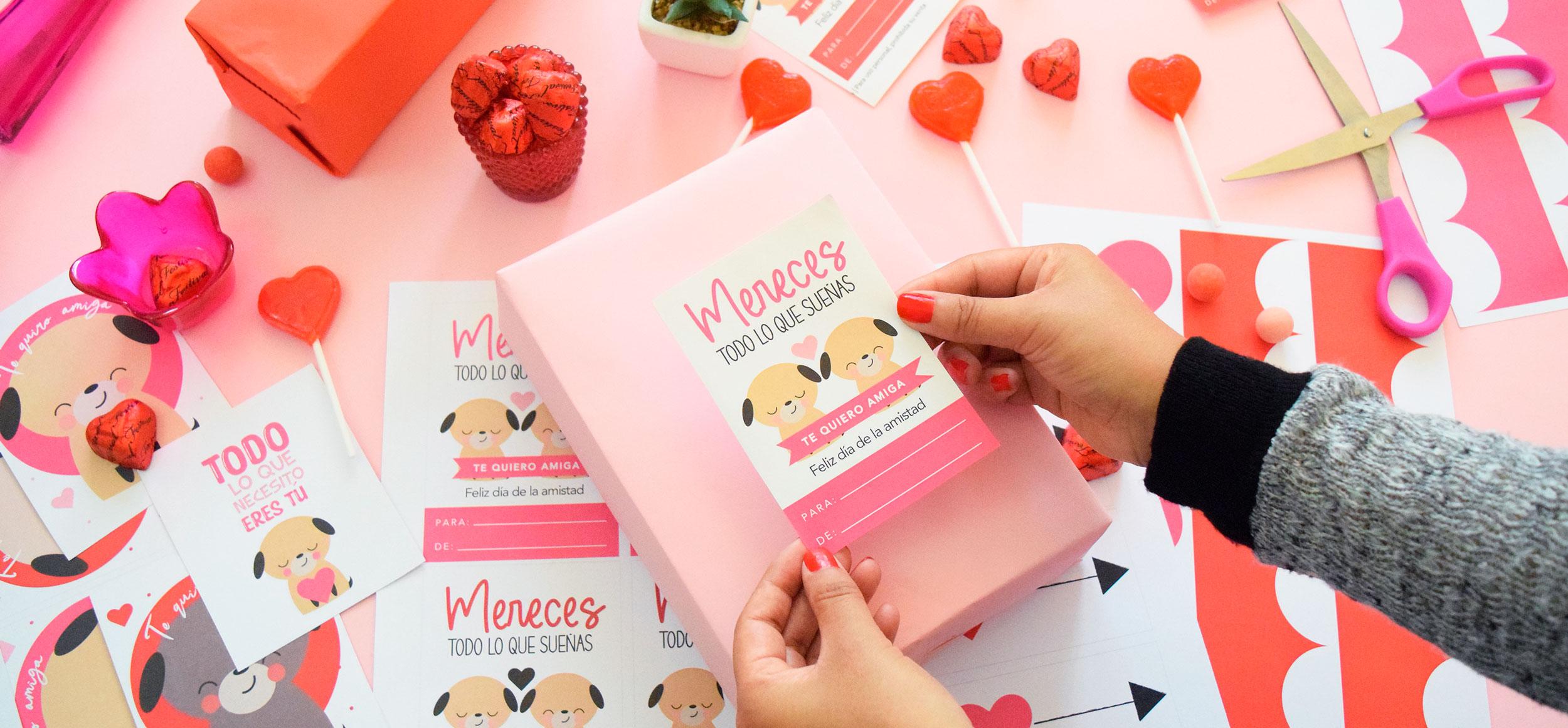Clase online para diseñar kits e fiesta con illustrator san valentin
