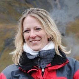 Dr Annina Schmid