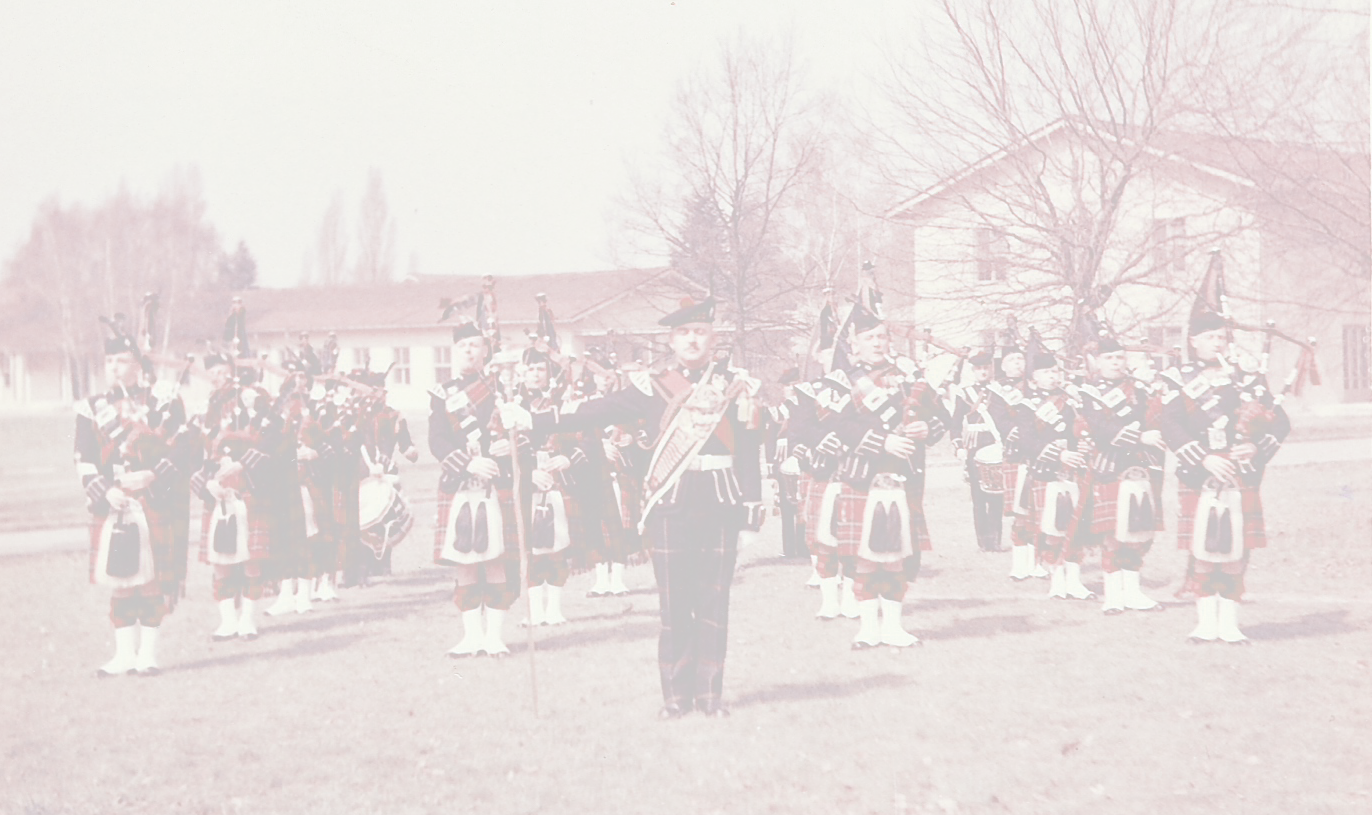 The Royals Scots, 1st Battalion, Pipes & Drums, Berlin 1958