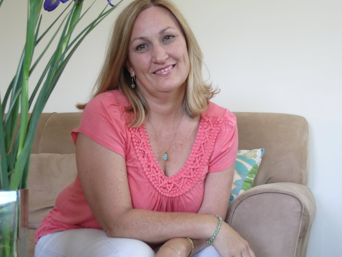 Jenny Gilchrist teaches watercolour classes online