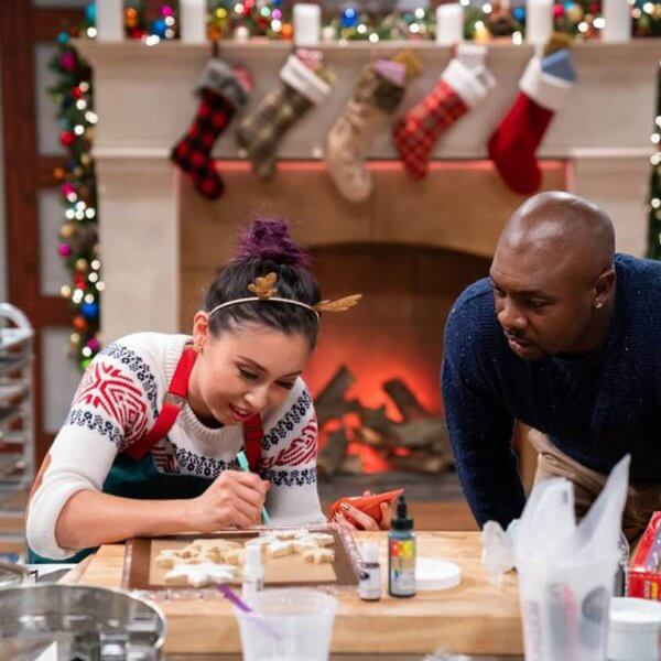 Lis He competing on Food Network's Christmas Cookie Challenge