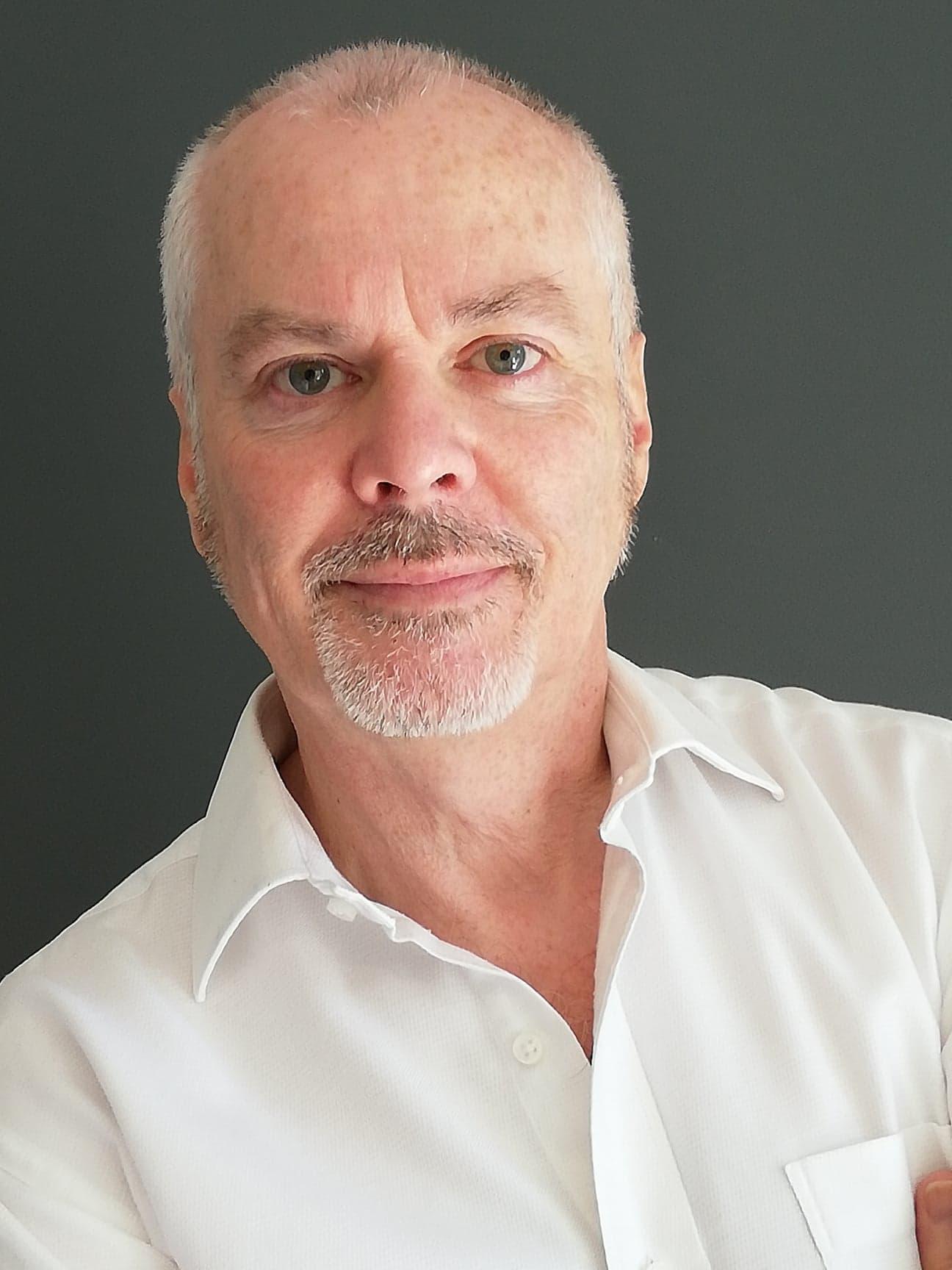 Dean Craven Headshot