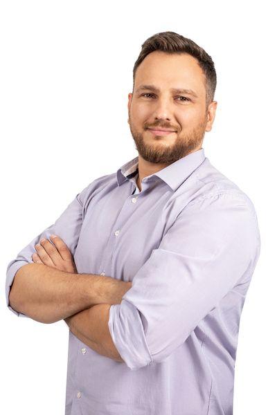 Kemal Avdović, Graphic Designer