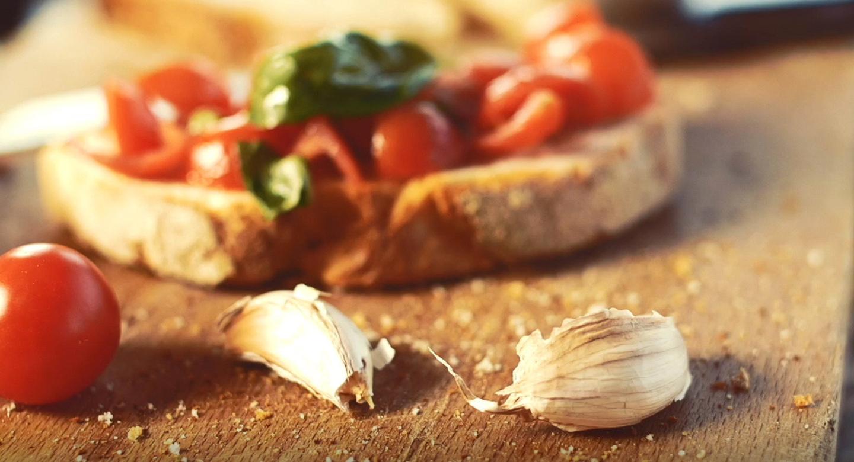 Bruschetta with tomato basil and garlic