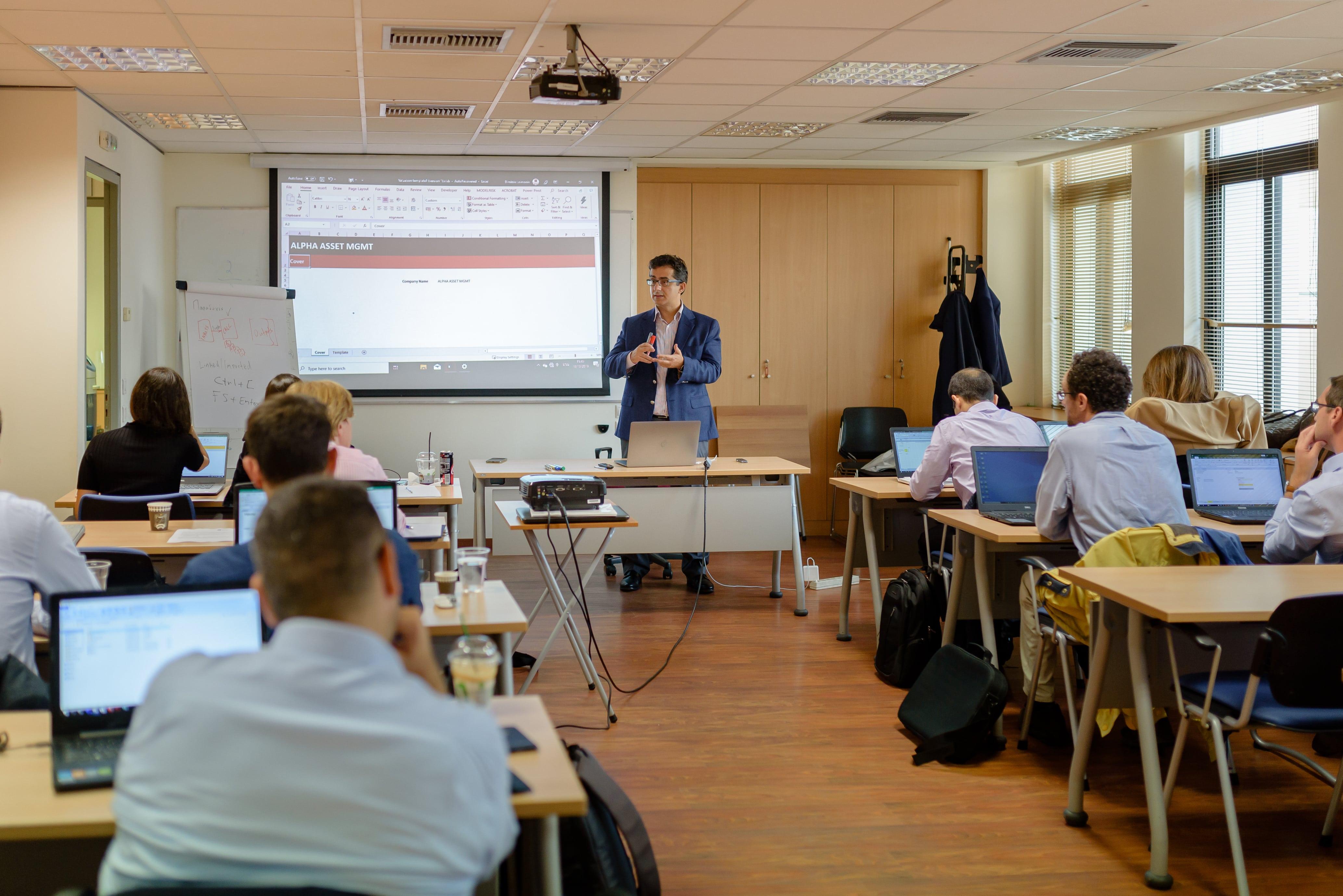 Financial Arena online training - financial modeling, business intelligence, data analytics