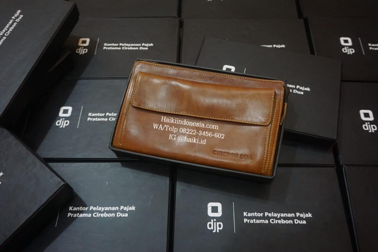 souvenir pouch kulit
