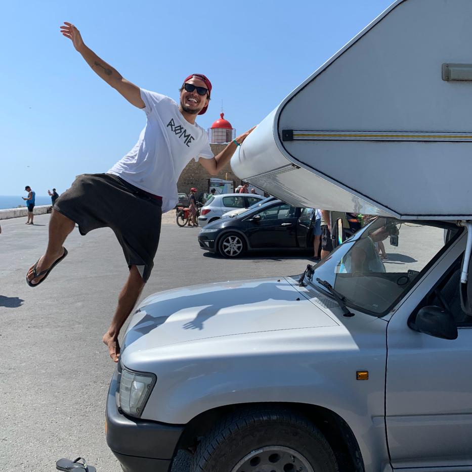 happy_travel_picture_IAMRENSIO