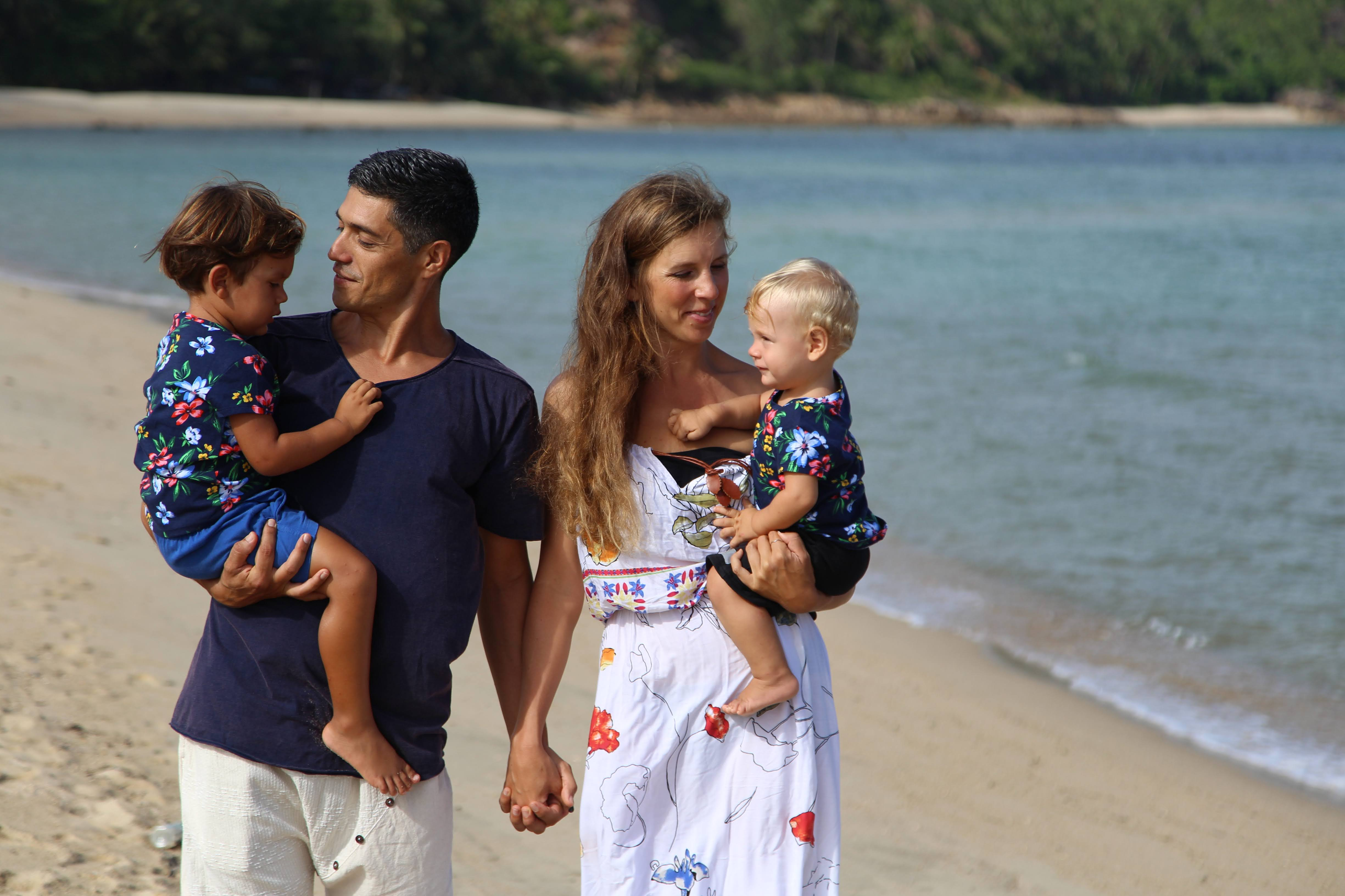 Life By Design course with family walking at the beach