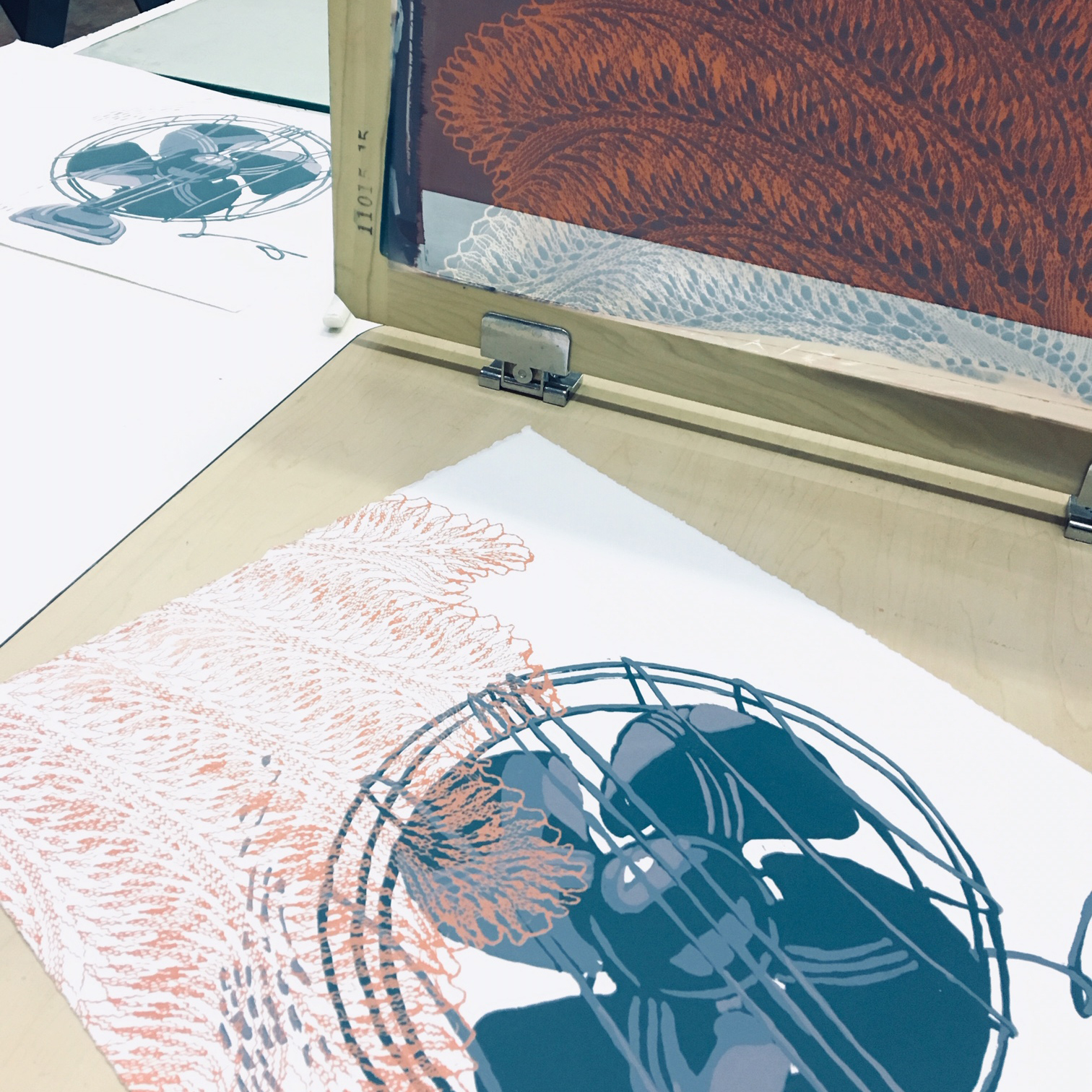 screen printed fan with emulsion and reduction