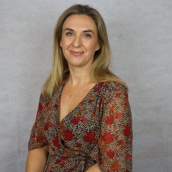 Dr Leah Deutsch Headshot