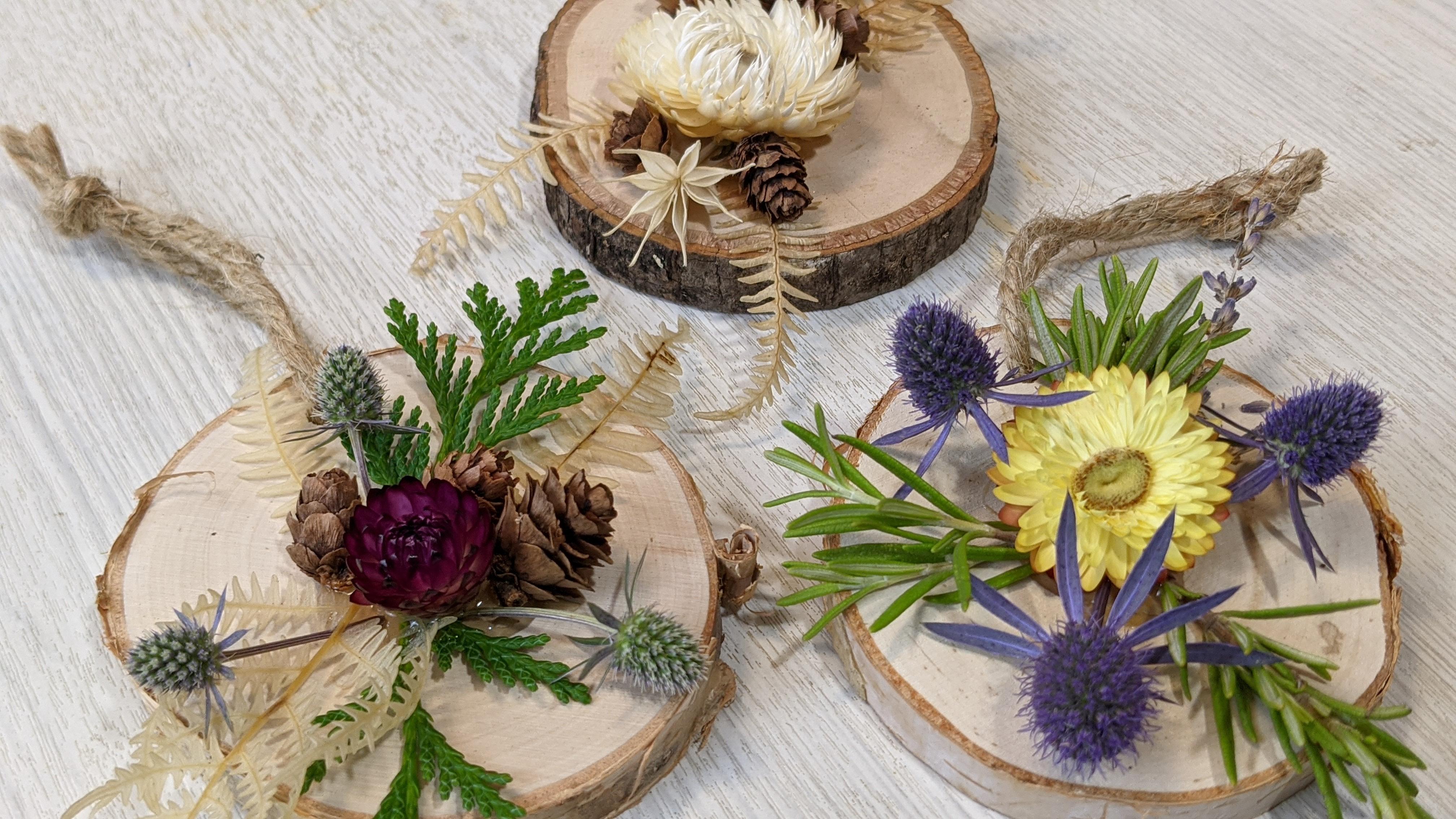 Botanic Ornaments
