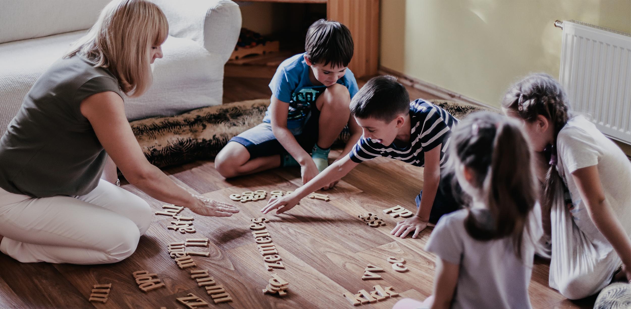 Jūsu bērns rotaļājoties var iemācīties lasīt