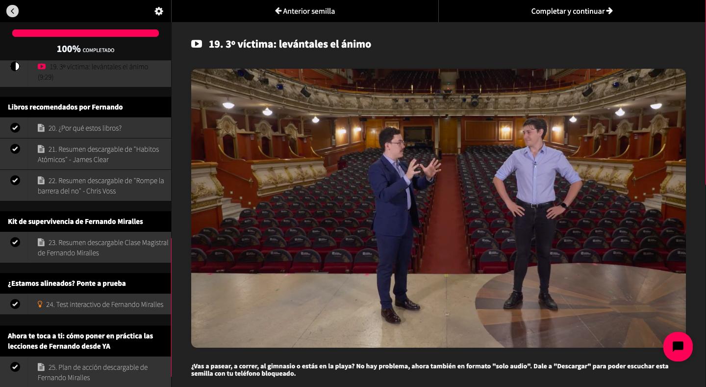 Fernando Miralles, campeón de España de oratoria, condensa sus 12 años de experiencia sobre los escenarios en su primera clase online para enseñarte a hablar bien en público.
