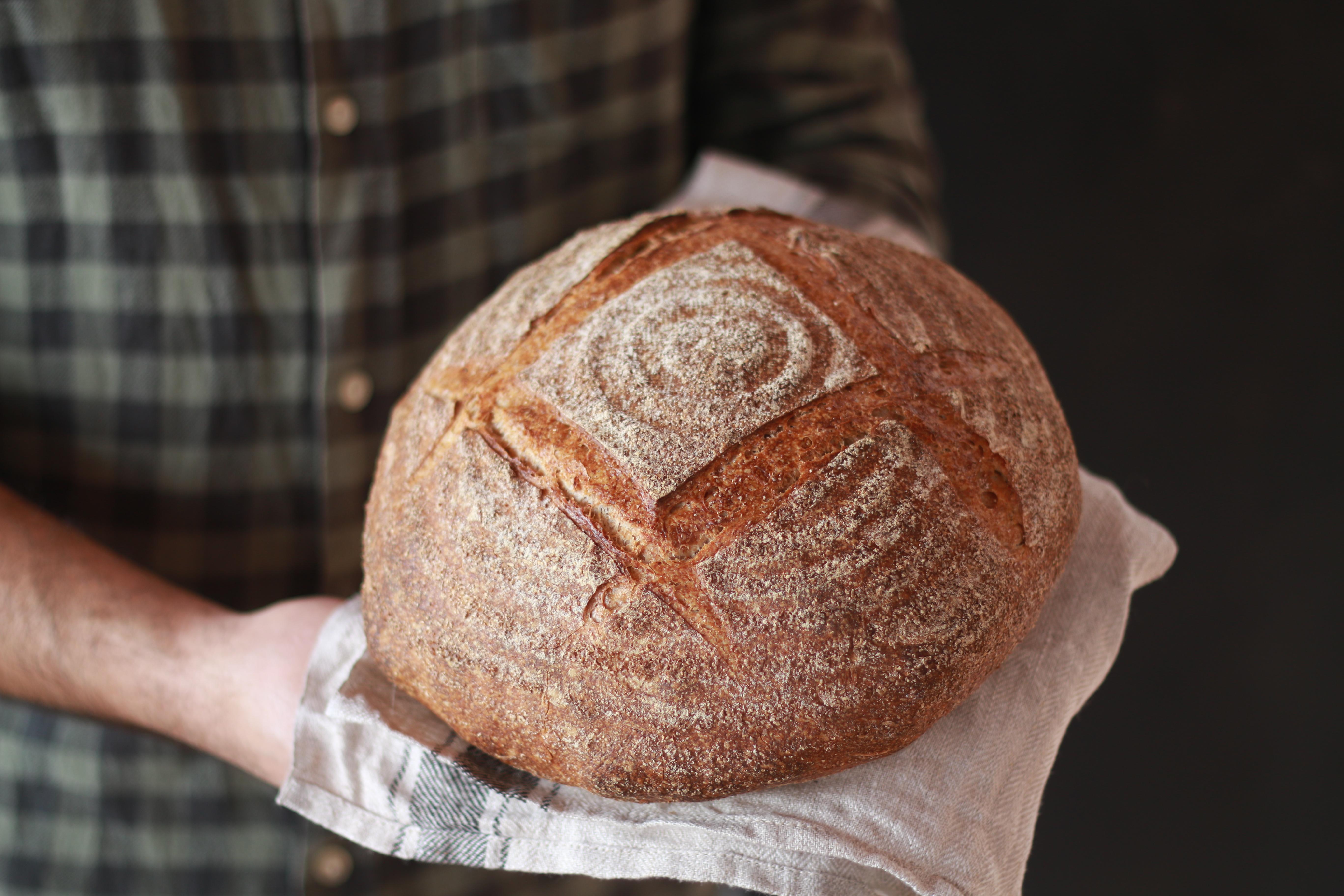 Hogaza de pan de masa madre