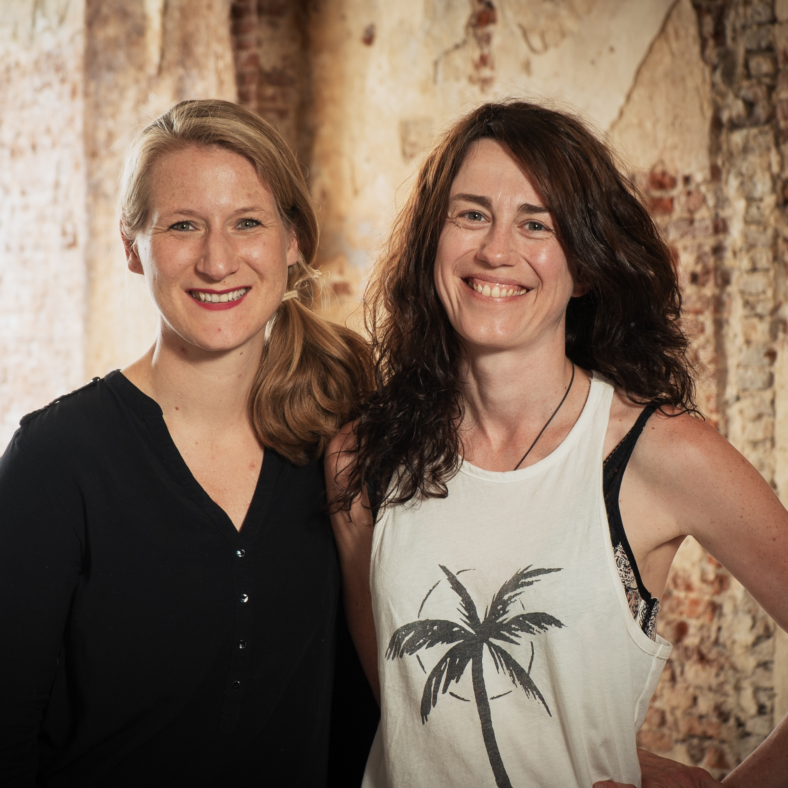 Kasia Pokrop and Nina Jonker-Voelker from Mamamoon Retreats