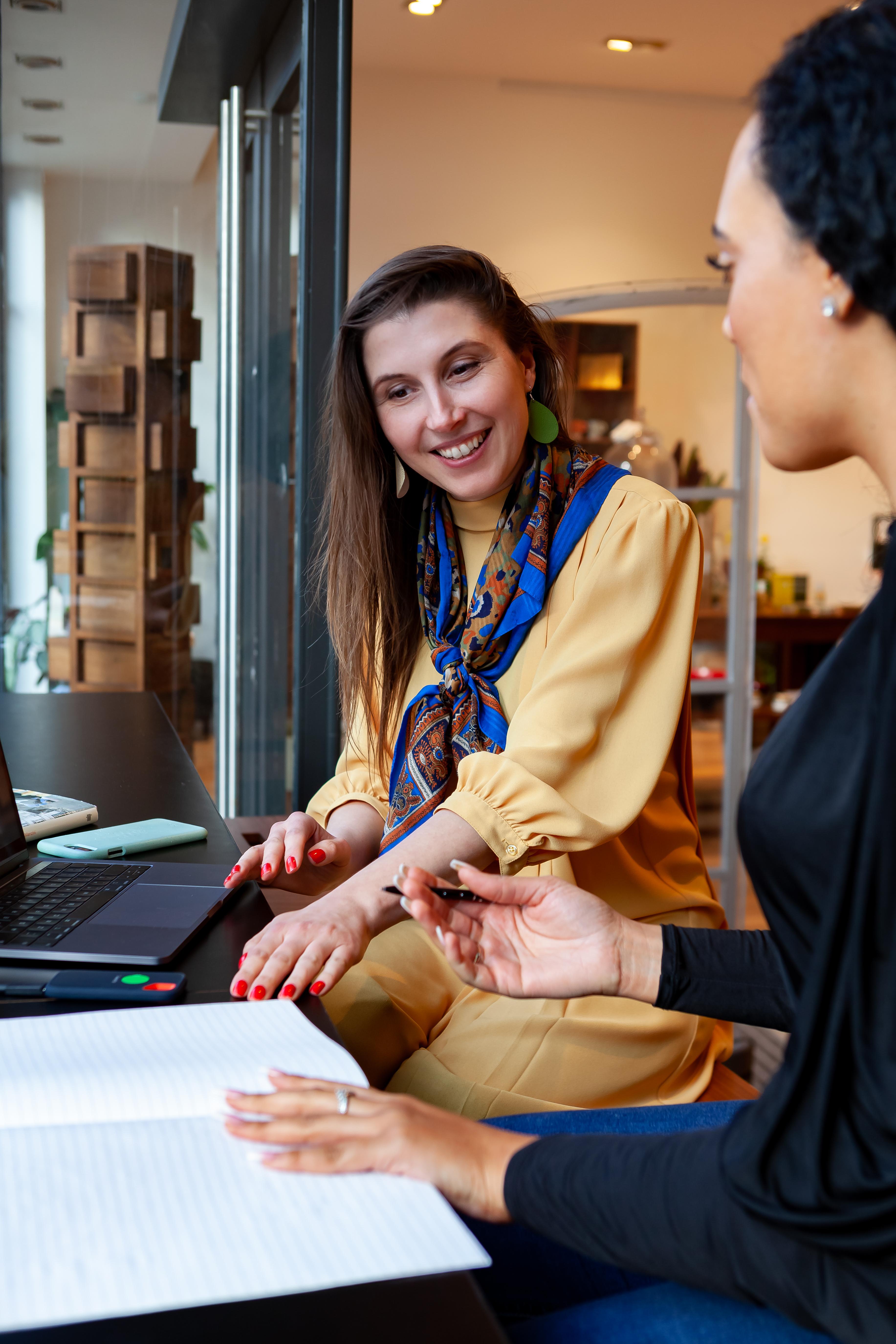 Rachel Sheila Kan giving fashion start-up consultancy advice