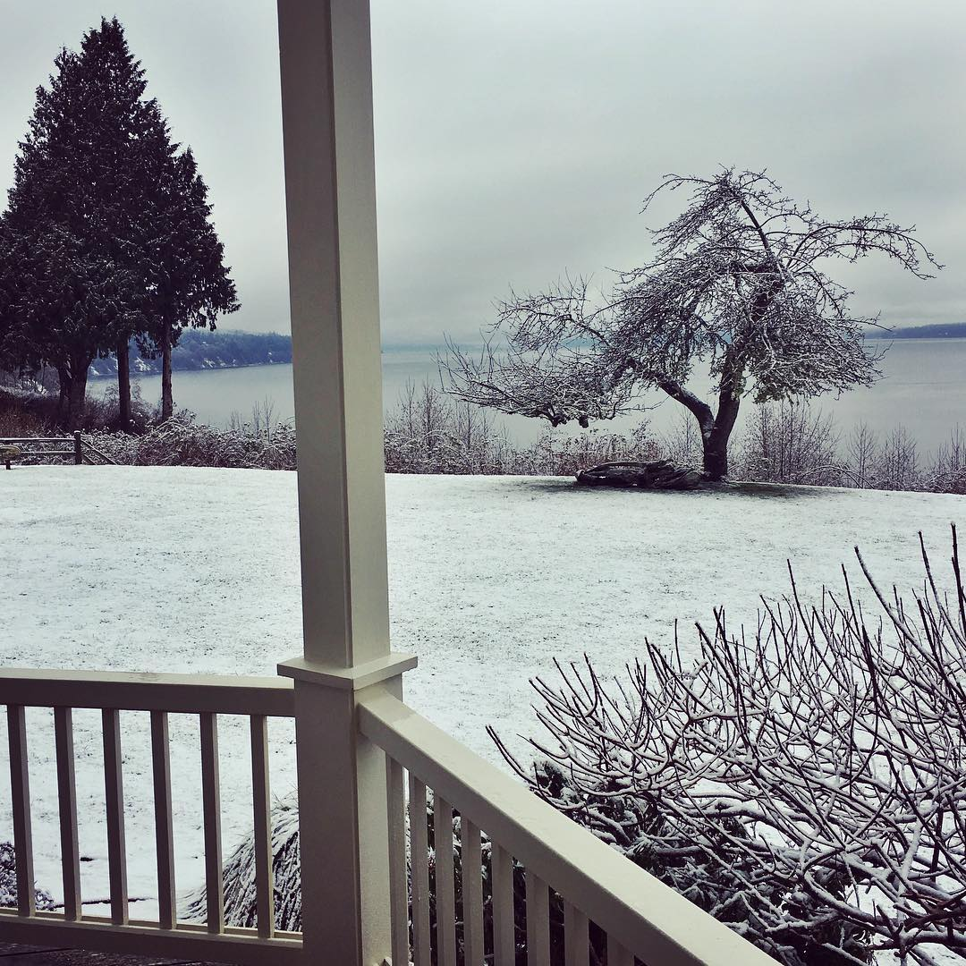 Veranda snow
