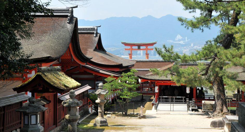 宮島 厳島神社 祐気取に訪れたいです