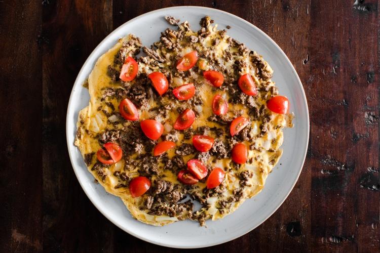 omeletti-jauheliha-sipuli-tomaatti-2.jpeg