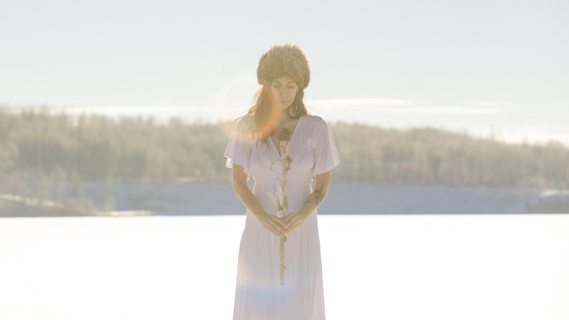 femme meditation yoga kundalini en français