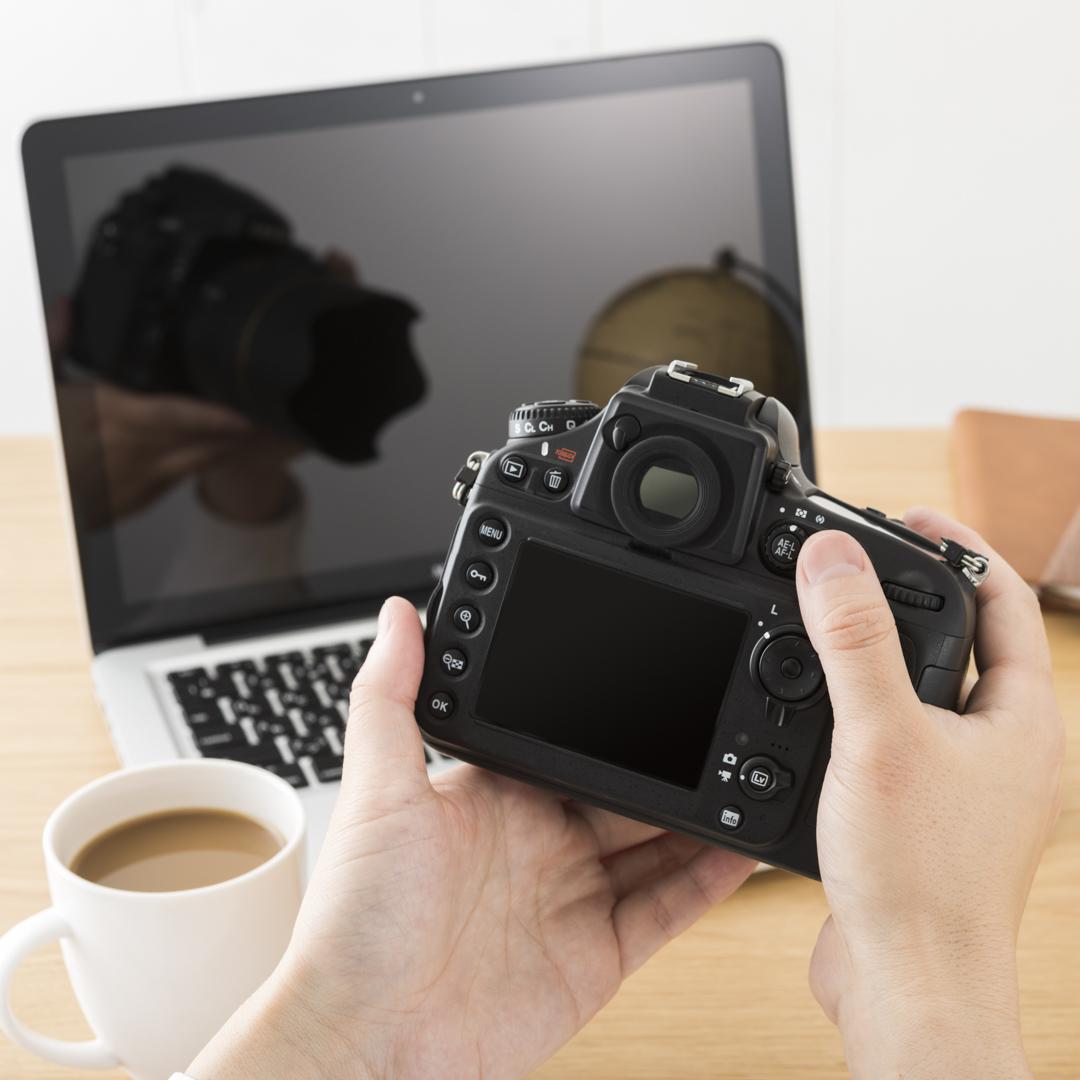 ネットが繋がるところなら移動中にPCやスマホで写真を学べる