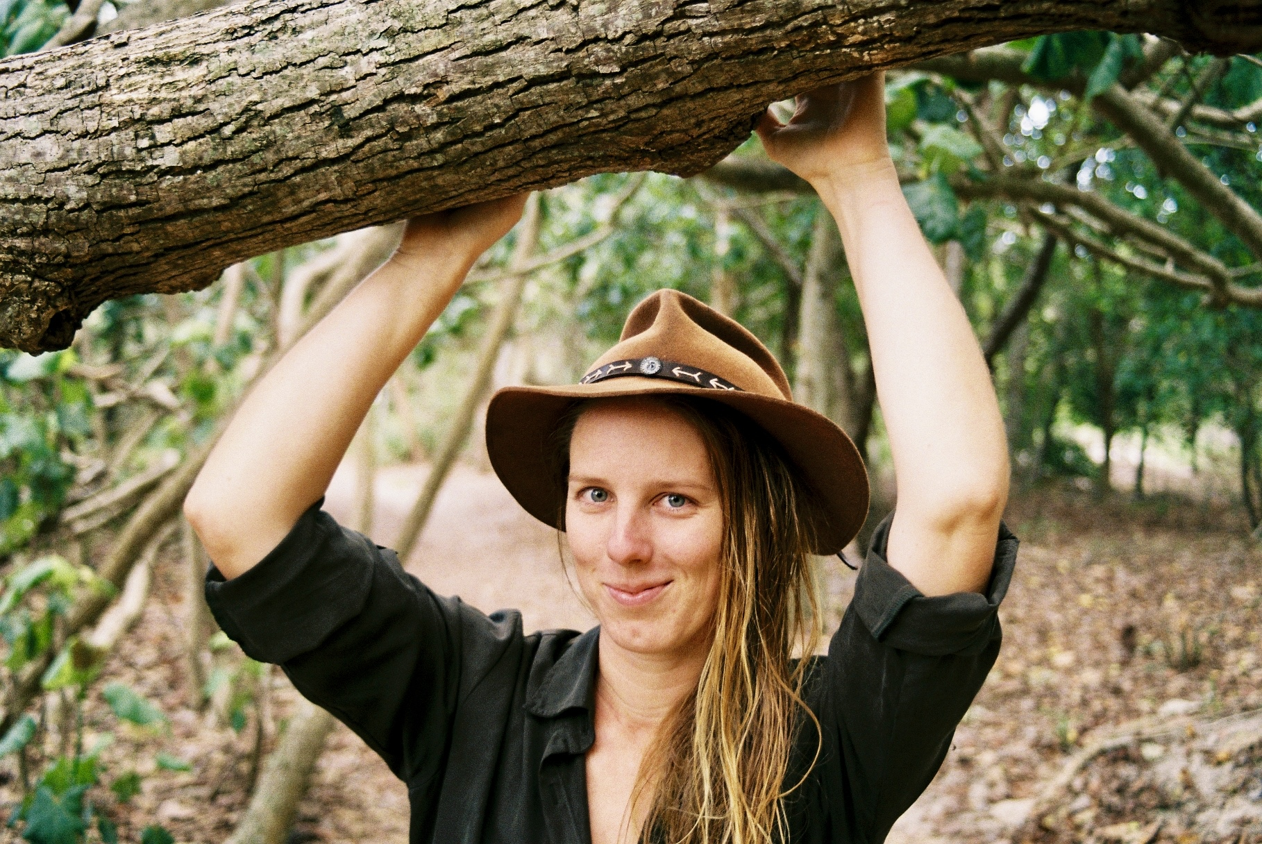 wild search australia nature connection school with Caitlin Weatherstone