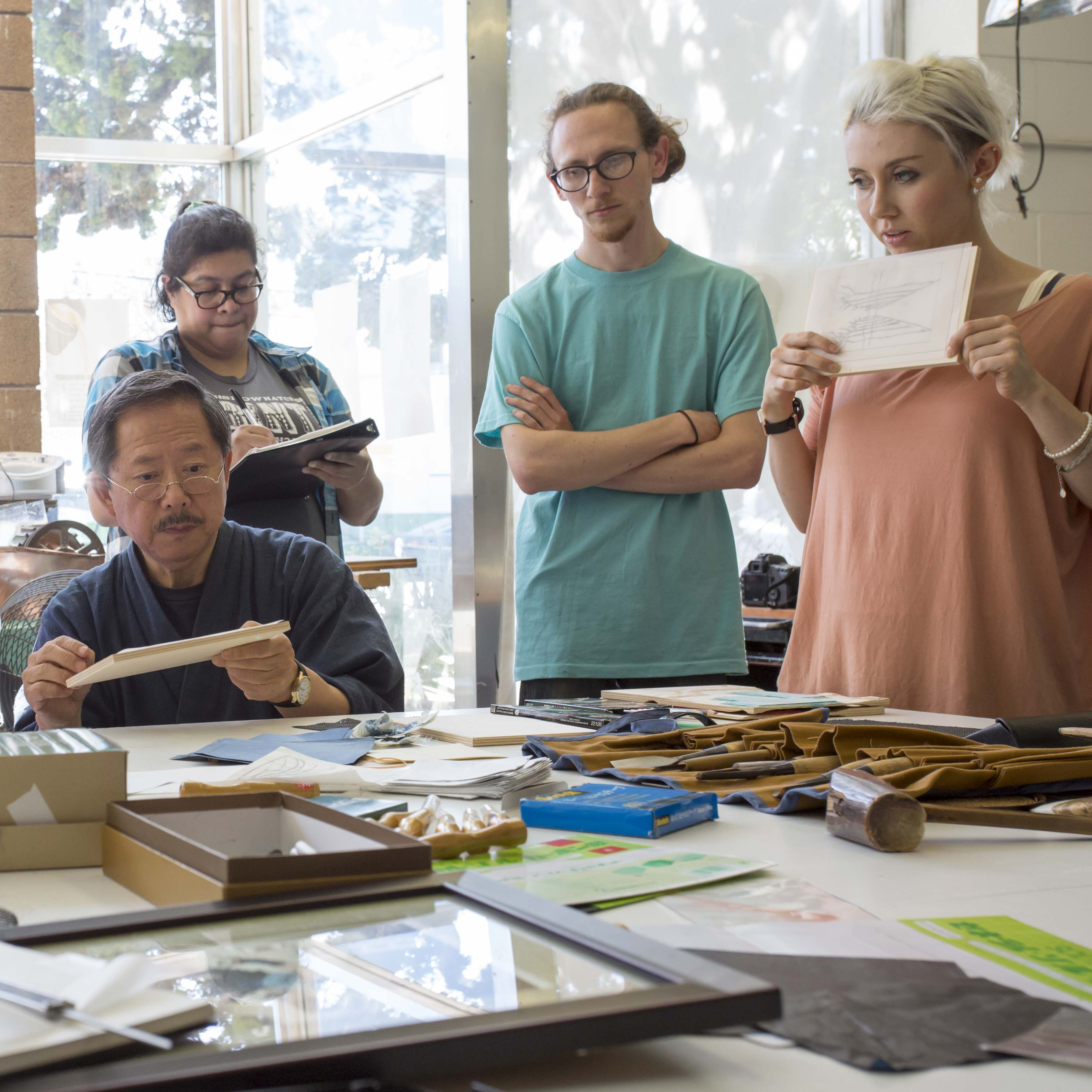 Motoharu Asaka teaching professional level woodcut workshop